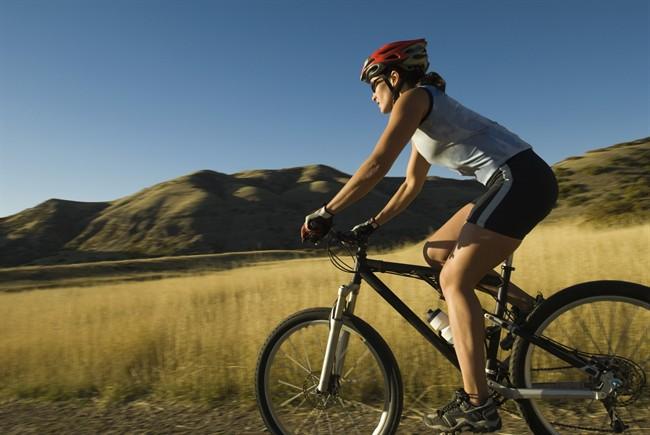 donna-bicicletta_650x435